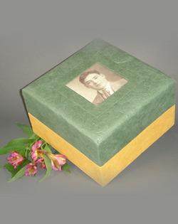 Green Embrace Earth urn Eco-Friendly